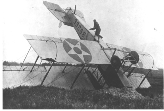 Wrecked_airmail_plane_in_Saugus,_Massachusetts